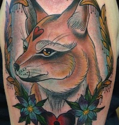 调皮可爱的狐狸纹身手稿图案